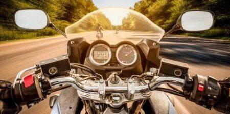 sensacion de conducir una moto carretera